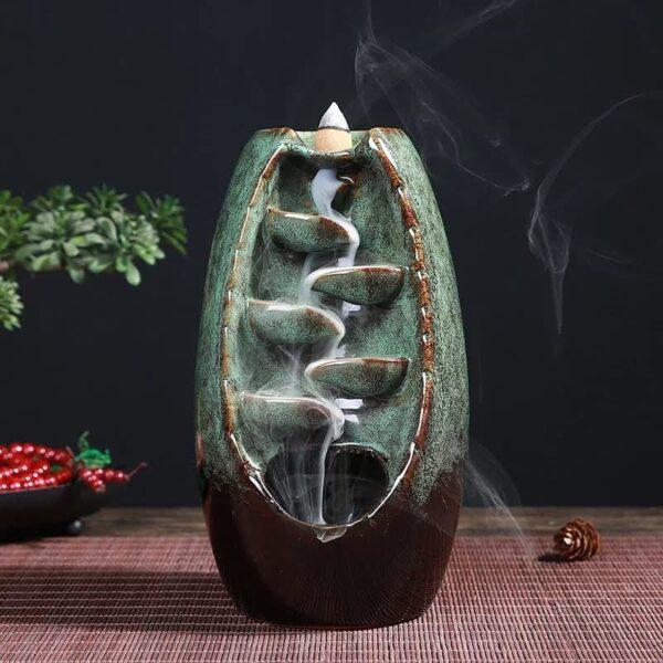 Porta incienso en cascada de cerámica